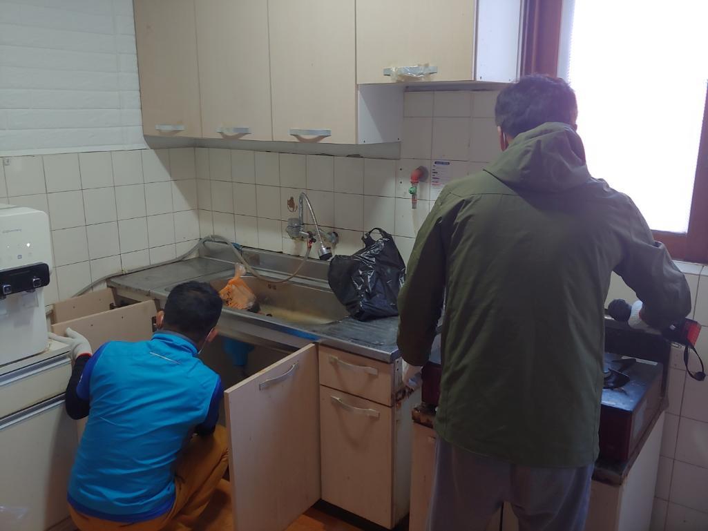 20101813차강화문화협회 사랑의 집고쳐주기 환한 빛과 깨끗한 주방 만들어주기